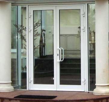 фото двери профилей из алюминиевых